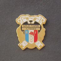 1 Pin's Sapeurs Pompiers De HUTTENHEIM (BAS RHIN - 67) - Bomberos