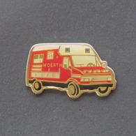 1 Pin's Sapeurs Pompiers De WOERTH (BAS RHIN - 67) - Pompieri