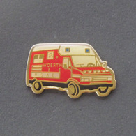 1 Pin's Sapeurs Pompiers De WOERTH (BAS RHIN - 67) - Bomberos