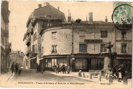 CPA BOURGOIN - Place D'Armes Et Rue De La Republique (295864) - Bourgoin