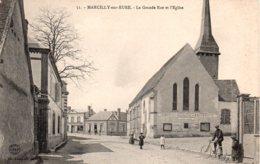 Cpa Marcilly Sur Eure La Grande Rue Et L'église. - Marcilly-sur-Eure