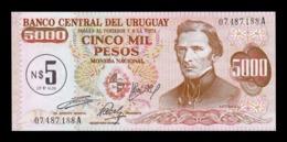 Uruguay 5 Nuevos Pesos On 5000 1975 Pick 57 SC UNC - Uruguay