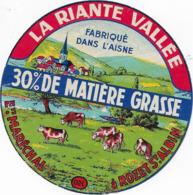 ETIQUETTE     DE FROMAGE  LA RIANTE VALLEE Ets MARECHAL ROZET ST ALBIN - Cheese