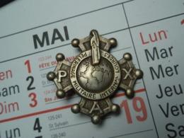 Insigne LOURDES PELERINAGE MILITAIRE INTERNATIONAL PAX - Esercito