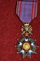 Médaille Du Mérite National Préparation Militaire émaillée - Francia