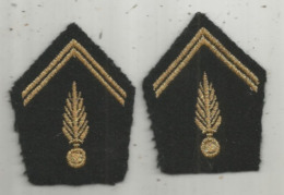 écusson Tissu , Militaria   , 2 Scans , LOT DE 2 - Scudetti In Tela