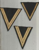 écusson Tissu , Militaria , Grade  , 4 Scans , LOT DE 5 , Frais Fr 3.50 E - Scudetti In Tela