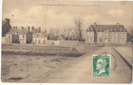 CPA Saint-Vaast-la-Hougue L'Entrée De La Rue De Réville - Saint Vaast La Hougue