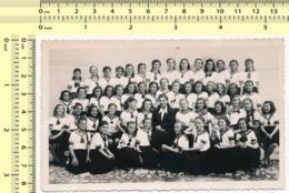 REAL PHOTO School Kids Class, Pupils Girls In Uniform Teacher, École Enfants Classe Élèves Filles En Uniforme Professeur - Anonymous Persons