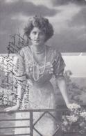 AK Dame In Kleid Mit Perlenkette - Künstlerkarte - Nürnberg 1911 (44762) - Frauen