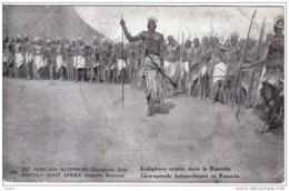Carte Postale Afrique Ruanda  Indigènes Armés Trés Beau Plan - Ruanda-Urundi
