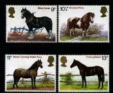 GREAT BRITAIN - 1978  HORSES   SET MINT NH - Nuovi