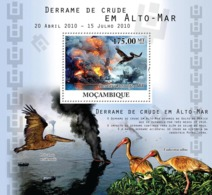 Mozambique 2010 MNH - Crude Oil Spills At Sea, Birds & Ships. Sc 2159, YT 324, Mi 4113/BL379 - Mozambique
