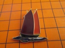 419 Pin's Pins : BEAU ET RARE : Thème BATEAUX / VOILIER VIEUX GREEMENT - Barcos