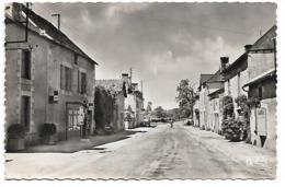 86 - PAIZAY LE SEC - Route Nationale (Commerce - Tabac - Pompe à Essence) - France