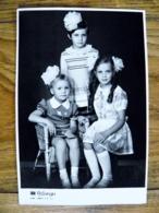 Soviet Period Photo 3 Girls Photo Studio Lithuania Kaunas 1981 - Personnes Anonymes