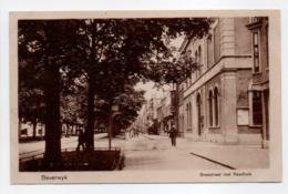 - CPA BEVERWIJK (Pays-Bas) - Breestraat Met Raadhuis - Uitg. Boekhandel W. A. Antonysen 881 - - Beverwijk