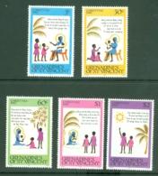 St Vincent Grenadines: 1980   Christmas    MNH - St.Vincent & Grenadines