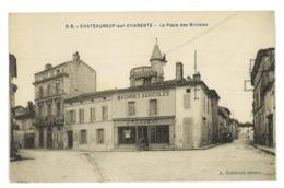 CPA 16 CHATEAUNEUF-SUR-CHARENTE PLACE DES MINIMES - Chateauneuf Sur Charente