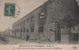 AY - Maison Deutz Geldermann, Incendiée Par L'émeute Du 12 Avril 1911 (animée)  CHAMPAGNE - Ay En Champagne