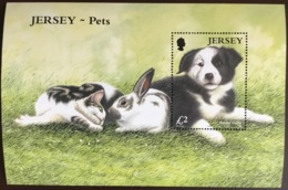 Jersey 2003 Pets Rabbits Dogs Minisheet MNH - Perros