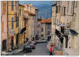 """Carte Postale 83. Fayence  Boutique """"L'Escapade""""   Petite Rue Du Centre Ville Renault 4L - Fayence"""