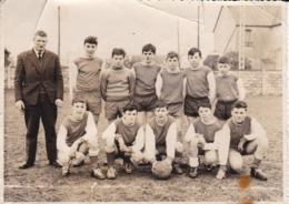 Photographie Bretagne Plougonvelin équipe   Foot Minimes 1962/63 Photo J P De Rusunan Le Relecq Kerhuon   ( Ref 191194) - Sports