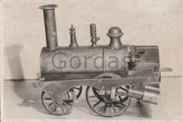 Newton Steam Train Engine - Locomotive - Trenes