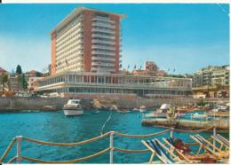 Lebanon Postcard Sent To Denmark Beirut 2-10-1967 (Phoenicia Hotel) Bended Card See The Water - Lebanon