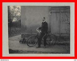 Carte Photo Sur Support Cartonné. Jeune Homme Et Vélo...H160 - Photographie