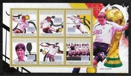 GUINEE  Feuillet   N°  5038/43  * *  ( Cote 15e ) Cup 2010 Football  Soccer  Fussball  Allemagne - Fußball-Weltmeisterschaft