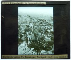 ESKIMOFAMILIE IN SOMMERKLEIDUNG - Diapositiva Su Vetro