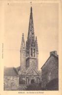 29 - KERLAZ : Le Clocher Et Le Portail  - CPA Village ( 815 Habitants ) - Finistère ( Bretagne ) - France