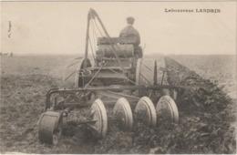 CPA  LABOUREUSE LANDRIN - Tracteurs
