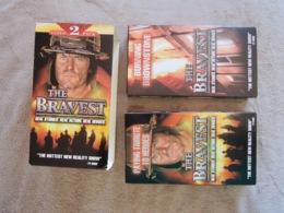 "Lot De 2 Cassettes VIDEO ""The BRAVEST"" - Dokumentarfilme"