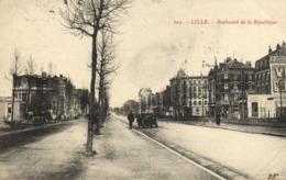 LILLE  Boulevard De La Republique Voiture Ancienne RV - Lille