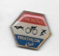 Pin' S  Ville, Sport  Athlétisme, Cyclisme, Natation, TRIATHLON  CLUB  De  CHENÔVE  ( 21 ) - Wielrennen