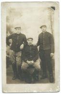 CARTE POSTALE PORTRAIT DE 3 SOLDATS / DIJON COTE D'OR / WW1 - Guerra 1914-18