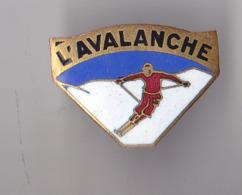 PIN'S BROCHE  THEME SKI  L'AVALANCHE - Sport Invernali