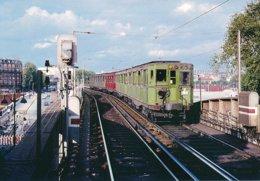Paris (75) 10 Août 1967 - Metro De Paris - Ligne 6 - Rame Sprague - Métro Parisien, Gares