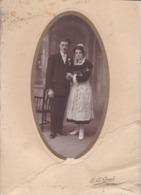 Photographie Quimper Couple De Marié Femme En Tenue Traditionnel Et Coiffe Photo E Le Grand Quimper ( Ref 191230 ) - Personnes Anonymes