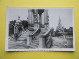 BONSECOURS. Le Monument De Jeanne D'Arc Et La Basilique. - Bonsecours