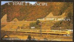 St-Thome Et Principe 1988 Yvertn° Bloc 59 (°) Oblitéré Cote 5 € Chemin De Fer Treinen Trains - Sao Tome Et Principe