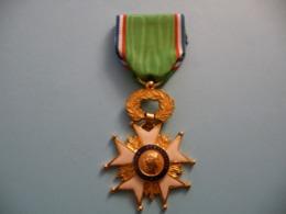 Ordre Français De L' Oeuvre Humanitaire - Francia