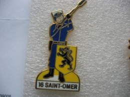 Pin's CRS 16 à Saint Omer, Compagnie Républicaine De Sécurité - Polizei