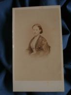 Photo CDV  Baudon à Grenoble  Portrait Jeune Femme  Sec. Empire  CA 1865 - L472 - Old (before 1900)