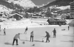 LEUKERBAD → Eisbahn Mit Curler Und Der Gitzifurgge, Ca.1960 - VS Wallis