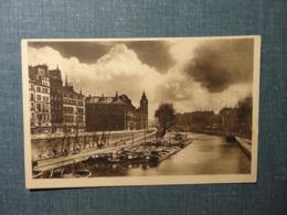 Paris En Flanant Quai Des Grands - Augustins / Edit YVON (3334) - The River Seine And Its Banks