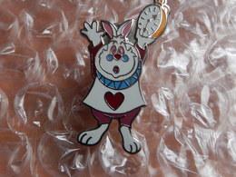 Pin's - DISNEY - LAPIN BLANC CLOCK -  Alice Au Pays Des Merveilles - Disney