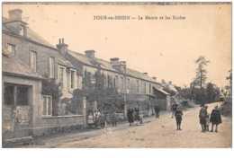 14 . N° 48703 . Tour En Bessin . La Mairie Et Les Ecoles - France